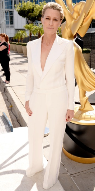 082514-EMMYS-robin-wright-428