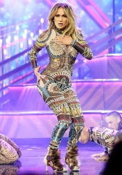 Dancing in DSquared2 (very cool)